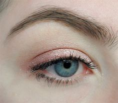 SoothingSista XO Memebox neutral shimmer eye look