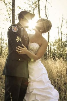 Army wedding <3. The perfect Picture!