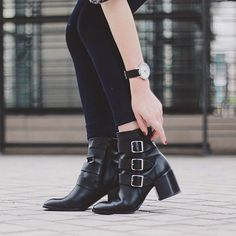 - M O S S - via @carolanneroux #hudsonshoes #hudsonlondon #streetstyle #blogger #heels #womensfashion #womenswear #shoeporn #allblack