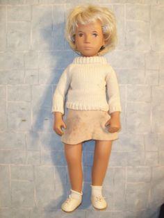 "SASHA DOLL. BLONDE SWEATER 112. HER SWEATER HAS A FEW ""PULLS"" IN IT. SLIGHTLY ROUGH BOX. | eBay!"