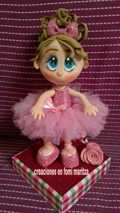Foam Crafts, Diy And Crafts, Arts And Crafts, Circus Cakes, Doll Face Paint, Fondant Animals, Pig Birthday, Cold Porcelain, Fabric Dolls