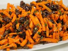 Carrot salad, Chinese pecans and cranberries Savoury Dishes, Food Dishes, Healthy Cooking, Cooking Recipes, Veggie Patties, Israeli Food, Vegetarian Recipes, Healthy Recipes, Good Food