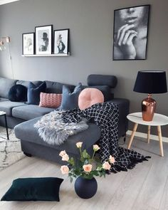 16 Ideas to Embark on a Gray Interior Deco - Page 2 of 2 — SP - Home Design Living Room Colors, Living Room Grey, Interior Design Living Room, Living Room Designs, Living Room Furniture, Living Room Decor, Interior Livingroom, Grey Interior Design, Contemporary Interior