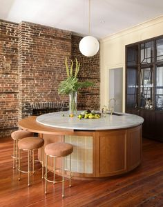 Photo 16 of 21 in An Old Charleston Row House Is Elegantly Modernized With a Southern Twist - Dwell A wet bar with Lawson Fenning Orsini stools. Home Decor Kitchen, New Kitchen, Kitchen Dining, Kitchen Size, Kitchen Ideas, Cozy Kitchen, Kitchen Photos, Home Design, Interior Design