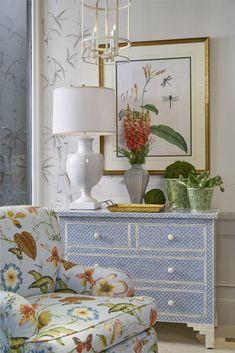 Bedroom Wall Colors, Home Decor Bedroom, Living Room Decor, Cottage Style Bedrooms, Cottage Style Living Room, Living Area, Southern Style Homes, Southern Style Decor, Southern Living Rooms