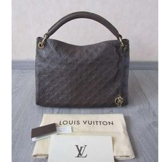 Tip: Louis Vuitton Shoulder Bag (Brown)
