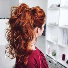 This fire red pony though  by @eksnagustenko ❤️ Tag someone with red hair below!