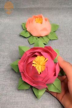 Fun Origami Ideas For Christmas – DIY Tutorials Videos Useful Origami, Fun Origami, Oragami, Paper Flowers Diy, Flower Crafts, Diy Arts And Crafts, Diy Crafts, King Craft, Origami Videos