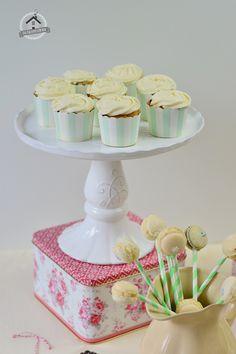 Tea Party - Geburtstags-Winterevent vom Knusperstübchen: Sweet Table mit Carrot Cake und andere süße Leckereien | Das Knusperstübchen