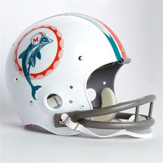 72 retro helmet Sports Uniforms, Sports Teams, Nfl Dolphins, Miami Football, Retro Helmet, Sport Of Kings, American Football, Football Helmets, 4 Life