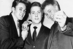 [Billy+Fury,+Eddie+Cochran+&+Joe+Brown,+1960.jpg]