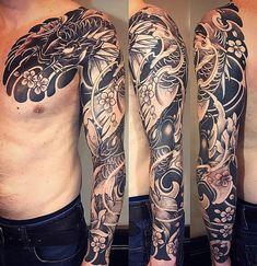 Amsterdam tattoo 1825 kimihito japanese style custom tattoo design koi full sleeve black and gray Chest Tattoo Japanese, Japanese Tattoo Artist, Japanese Sleeve Tattoos, Full Sleeve Tattoo Design, Full Sleeve Tattoos, Irezumi, Asia Tattoo, Phenix Tattoo, Japan Tattoo Design
