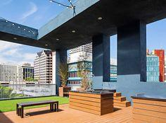Rooftop pet park with dog spa at AMLI Lex on Orange, luxury Glendale, CA apartments.