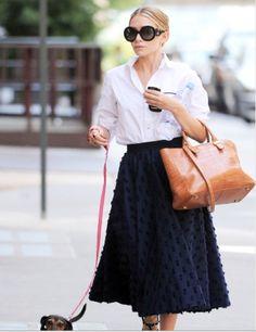 Stylish White Female... - SWF seeks... an Olsen and dressy walking shorts.