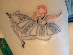 "2. This classy colored outline of Anna. | Community Post: 17 Stunning Tattoos Inspired By ""Frozen"""