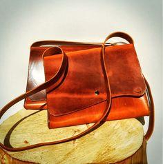 #nieuwe #leren #tassen, binnenkort te koop bij #Koot&Aercher op #Texel  #handgemaakt door #Handmadebyortlep