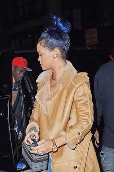 Get the Look: Rihanna's Midnight Blues | Beauty Launchpad