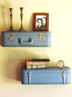 Shelves from vintage suitcases! More DIY shelves on this site. Suitcase Shelves, Suitcase Decor, Diy Regal, Creation Deco, Vintage Suitcases, Built In Shelves, Wall Shelves, Deco Design, Diy Wall