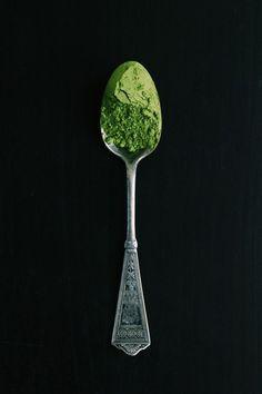 Matcha Iced Tea Recipe, Matcha Cake, Tea Recipes, Baby Food Recipes, Food Baby, Homemade Smoothie Bowl, Green Tea Dessert, Free People Blog, Matcha Green Tea Powder