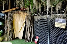This Stranger Things Pop-Up Bar Is Freakin' Awesome Stranger Things Halloween, Pop Up Bar, The Upside, Halloween Party, Scream, Awesome, Creative, Queen, Decor