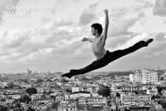 Serafín Castro; solista del Ballet Nacional de Cuba... fotografía tomada por Gabriel Dávalos.