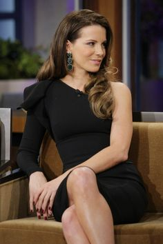 Kate Beckinsale black dress The Tonight Show with Jay 2000 x 3000 ( Beautiful Female Celebrities, Beautiful Actresses, Beautiful Women, Beautiful People, Kate Beckinsale Pictures, Kate Hudson, Celebrity Pictures, Sexy Legs, Role Models