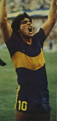 Boca Juniors - 1981 - Diego Armando Maradona Football Icon, World Football, Premier League, Argentina Football, Modern Feminism, Diego Armando, All Star, Look At The Moon, Sports Personality