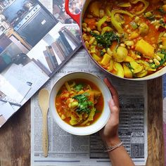 Autumn Yoga Bowl - #vegan vegetable stew with immune boosting and cold healing garlic, ginger, turmeric, and cayenne, to keep you healthy and shining as cold season encroaches upon us // inmybowl.com