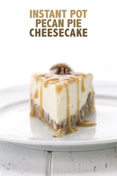 The creamiest low carb pecan pie cheesecake EVER! This divide keto dessert cooks up in an Instant Pot and takes a fraction of the time of conventional cheesecake. This keto pecan pie cheesecake recipe is going to blow your mind. No Cook Desserts, Low Carb Desserts, Dessert Recipes, Dinner Recipes, Paleo Dessert, Dessert Ideas, Keto Foods, Paleo Diet, Creme Brulee