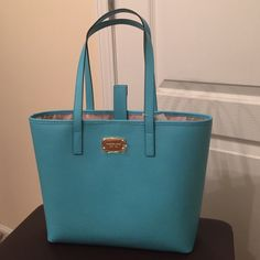 Michael Kors jet set am travel tote Beautiful Michael Kors jet set am travel tote in aquamarine leather. Sorry I don't trade. Michael Kors Bags Satchels