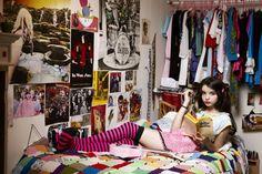 Danielle Levitt, Rachel 19, Brooklyn, NY, 2011. Courtesy of the artist.