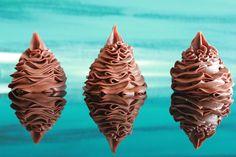 Fløyelsmyk sjokoladekrem som passer til den kaken du selv måtte ønske.Kremen ble til ved et uhell. Den er egentlig den \\ Sweet Stuff, Cake Decorating, Muffins, Goodies, Food And Drink, Cakes, Baking, Desserts, Sweet Like Candy