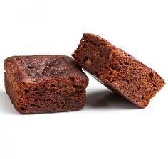 http://www.greenberry.fr/produit/brownie-entremets-chocolat-no-allergenes/ Garanti sans allergène à 100% Aucune présence d'allergène n'a été toléré dans cette recette unique et savoureuse... Tentez l'aventure d'un entremets chocolat maison sans risque, avec le premier brownie au chocolat garanti sans allergènes, soit hypoallergénique ! #sansgluten #vegan #sansallergenes #mangersainement #allergenfree #miam #buylocal #végétalien #patisseriesaine #sansllergenes #noallergens @greenberry_red