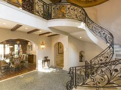 La #casa di #lusso a #BeverlyHills di #SofiaVergara   #Casedilusso #LuxuryEstate #California