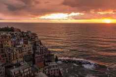 Tramonti d'Italia... anzi di #Liguria! #cinqueterre #manarola @cinque_terre @turismoliguria