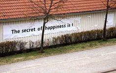 fortuna, segreto della felicità, felicità, blog umoristico, umorismo, lol, muro, adv, poster