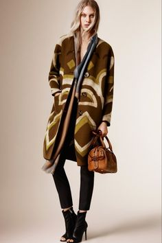 Burberry Prorsum Pre-Fall Kollektion 2015 Check more at https://modenschau.club/burberry-prorsum-pre-fall-kollektion-2015