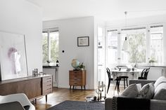 Flat with beautiful light and a vintage touch