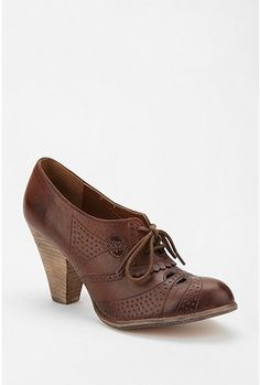 I'm starting to have a thing for Oxford style heels/booties