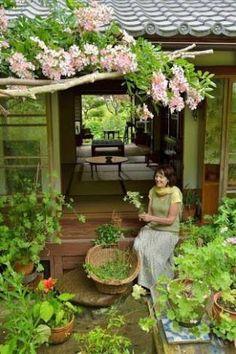 ベニシア - Google 検索 Zen Interiors, Life Space, Bohemian Interior, Japanese Architecture, Japanese House, Garden Structures, Garden Inspiration, Home Deco, Outdoor Spaces