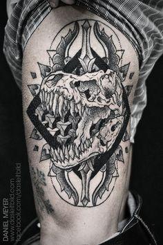 T-Rex Skull by Daniel Meyer via LEITBILD