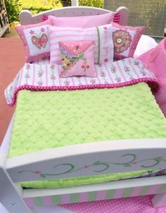 Adorable pattern for doll bedding