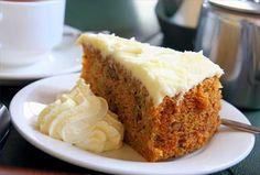 Conoce esta receta de pastel de zanahoria saludable y delicioso, porque no siempre los postres tienen que estar llenos de calorías y azúcar. ¡Prepáralo ya!