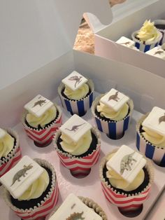 Birthday Cupcakes, Party, Desserts, Food, Anniversary Cupcakes, Tailgate Desserts, Deserts, Essen, Parties
