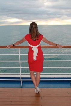 Modest Fashion Alaska Cruise Formal Nights #alaskafashion #yycfashion #shiftdress #fionaoutfits