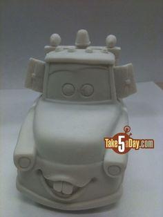 paint your own, disney pixar cars Lighting Mcqueen Cake, Piñata Cars, Mater Cake, Race Car Cakes, Pig Birthday Cakes, Biscuit, 3d Cakes, Disney Cakes, Disney Pixar Cars