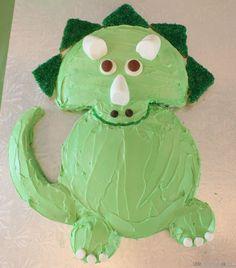 Easy-triceratops-dinosaur-birthday-cake-13