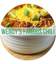Homemade Wendy's Chili - http://www.theslowroasteditalian.com/2014/01/wendys-chili-copycat-recipe.html | Copycat Recipes For Your Favorite Fast Foods