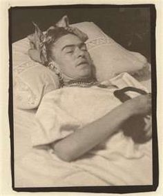 I hope she is sleeping. Frida And Diego, Frida Art, Diego Rivera, Martial Arts, Love Her, Ms, Mexico, Death, Hero