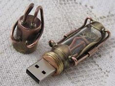 steampunk USB-drive